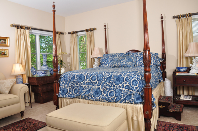 Moravian Village - Cottage Bedroom