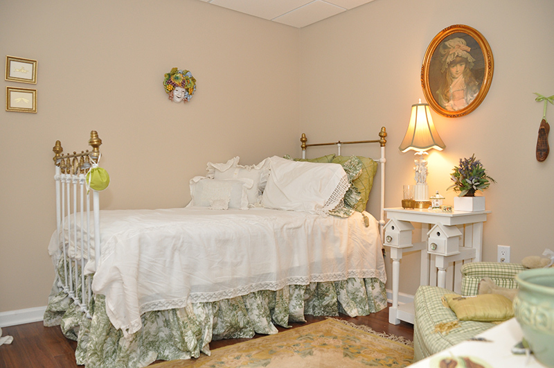 Moravian Village - Cottage Bedroom